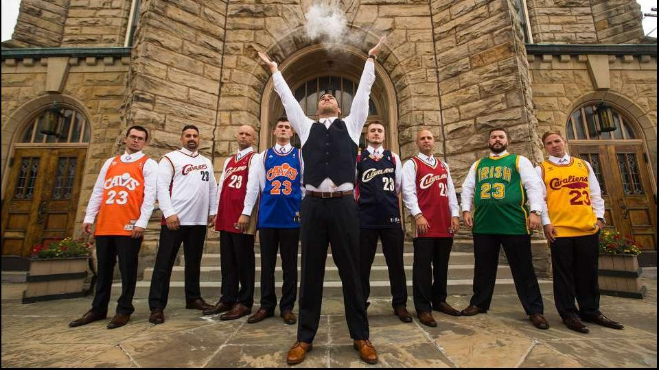 Cleveland man celebrates LeBron James return by ruining his wedding photos