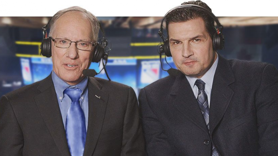 How are commentators programmed into sports video games?