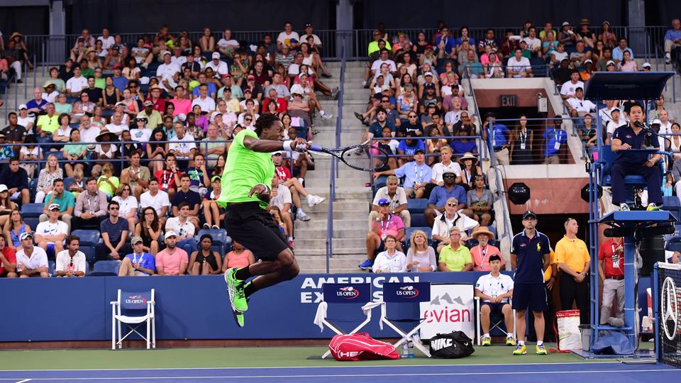 Gael Monfils hits insane jumping forehand shot at the U.S. Open