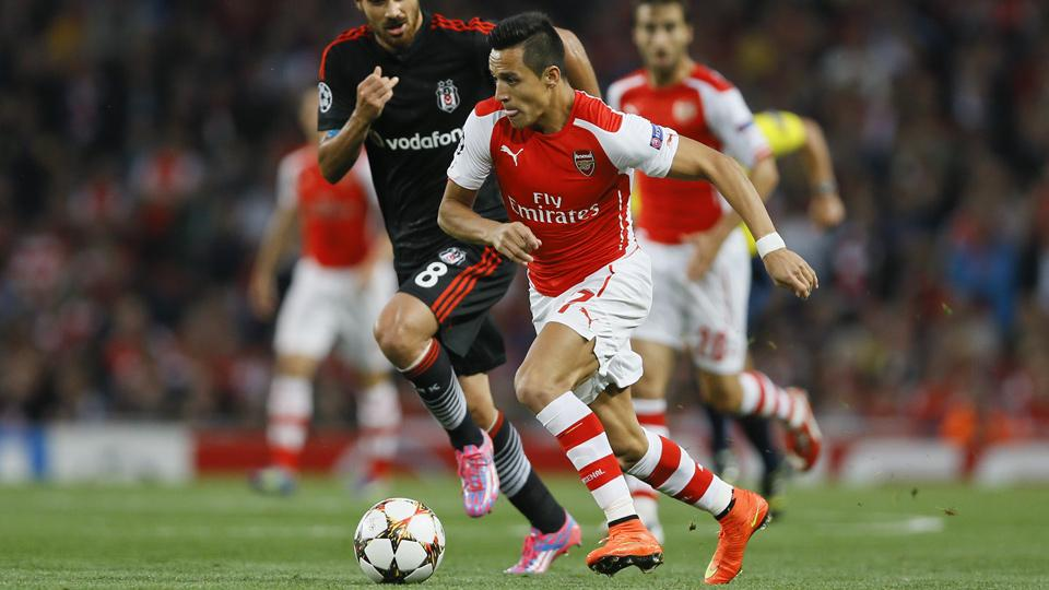 With Giroud hurt, Arsenal needs Alexis to make quick transition to striker