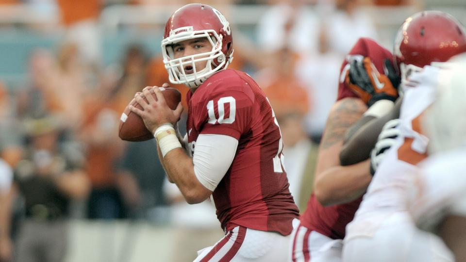 Report: Oklahoma TE Blake Bell taking snaps at QB