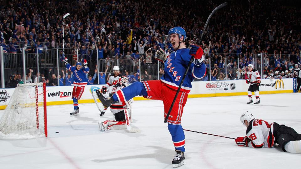 New York Rangers re-sign Chris Kreider to two-year deal