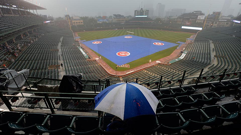 Cubs weather succesful protest, rain and spiders to finally beat Giants