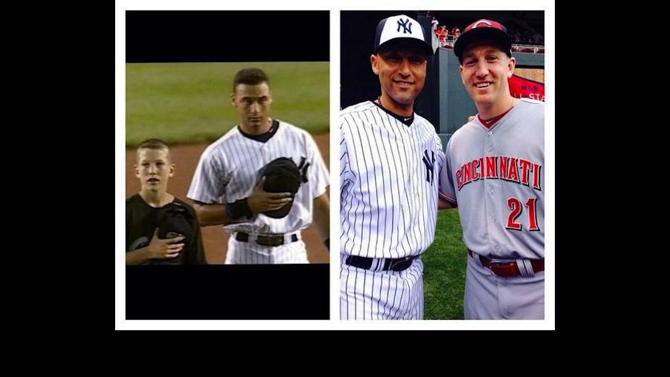 Derek Jeter takes photos with the Reds' Todd Frazier 16 years apart