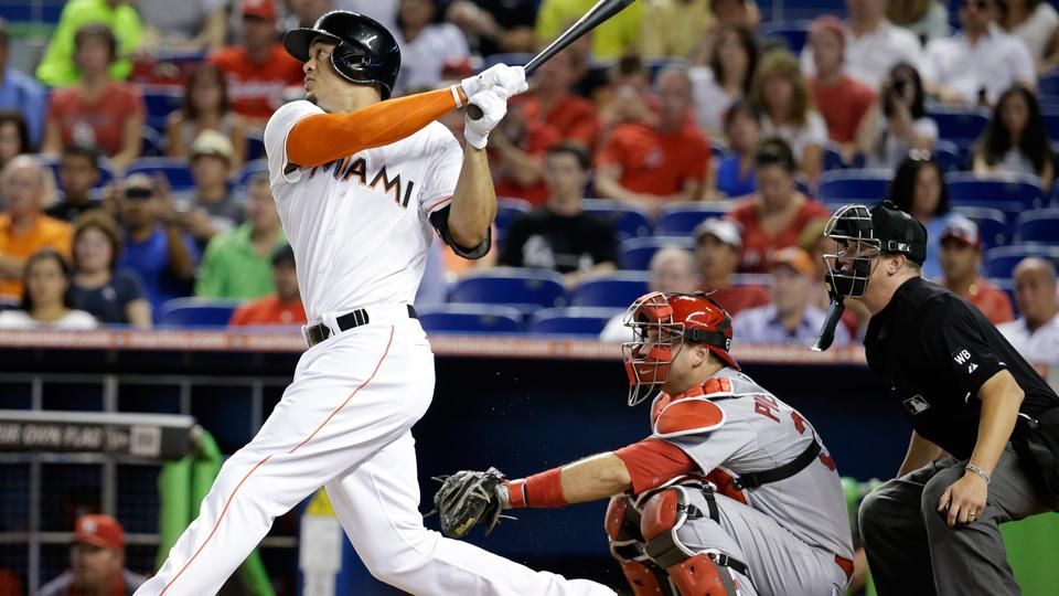 Giancarlo Stanton shows power to all fields in chase for home run crown