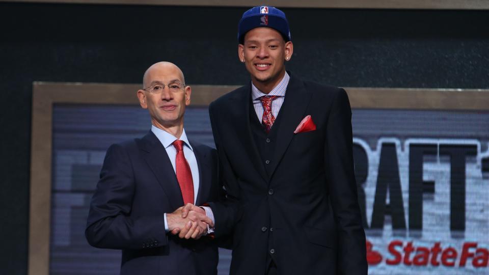 Former Baylor center Isaiah Austin offered job with NBA after graduation