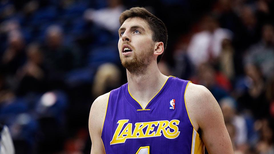 Report: Lakers sign Ryan Kelly to two-year deal