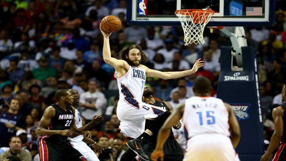 Report: Josh McRoberts emerges as serious candidate for Heat