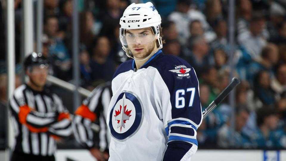 Jets re-sign restricted free agent Michael Frolik to one-year deal