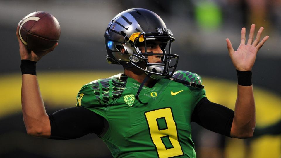 Oregon QB Marcus Mariota's only two classes this fall are golf and yoga