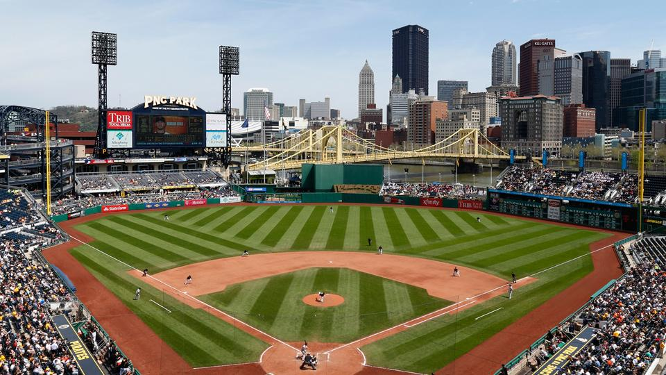Ballpark Quirks: PNC Park honors a Pittsburgh legend in Clemente