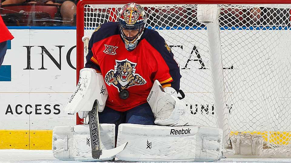 Roberto Luongo's age, contract length and history of playing for some pretty awful teams should give him a shot at an NHL milestone no goalie wants.