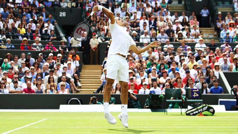 Roger Federer reached his 12th career quarterfinals at Wimbledon with his victory over Tommy Robredo.