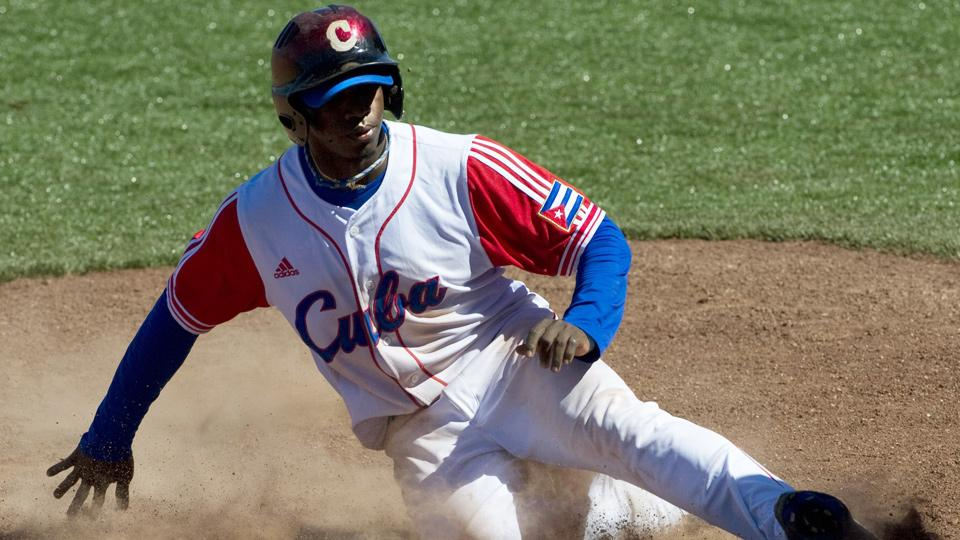 Rusney Castillo becomes latest Cuban to cash in with big deal from Red Sox