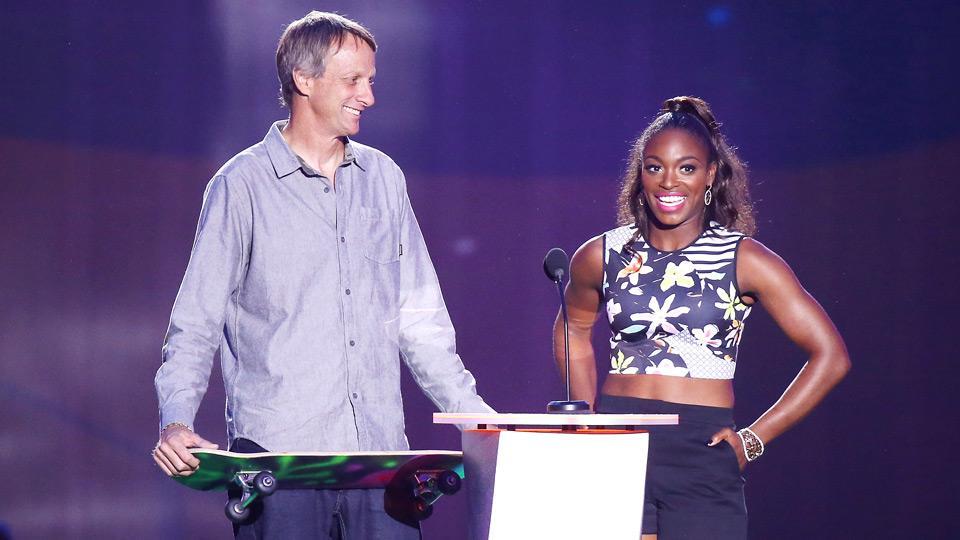 Daily Bagel: Sloane Stephens, Tony Hawk present at Kids' Choice Awards
