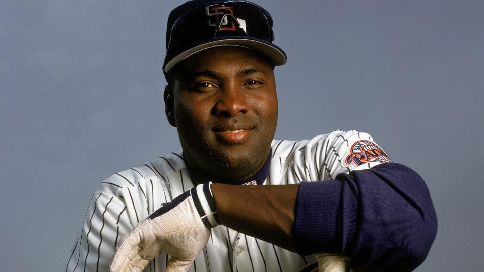 Tony Gwynn, through the shortstop hole ...