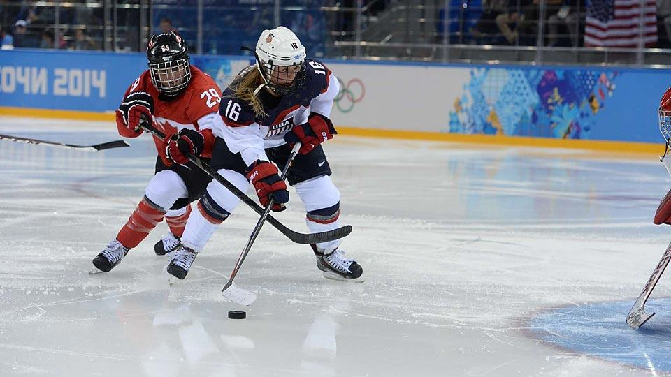 Canada came away with a 3-2 victory over the United States in the teams' first meeting in the preliminary stage of these Olympics.