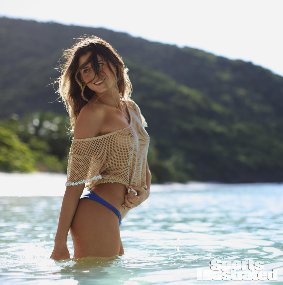 Anastasia Ashley talks body paint, monster waves & more on SI NOW