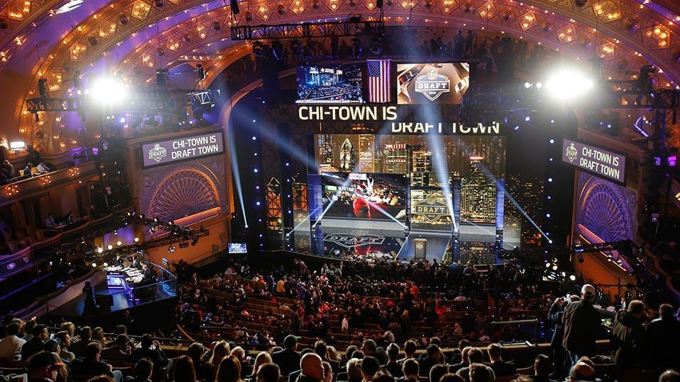 Nfl-draft-2016-media-circus