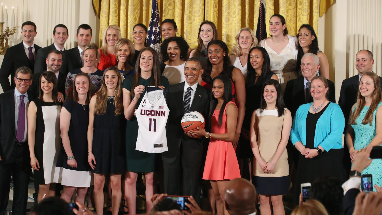 Uconn-womens-basketball-president-obama-gift