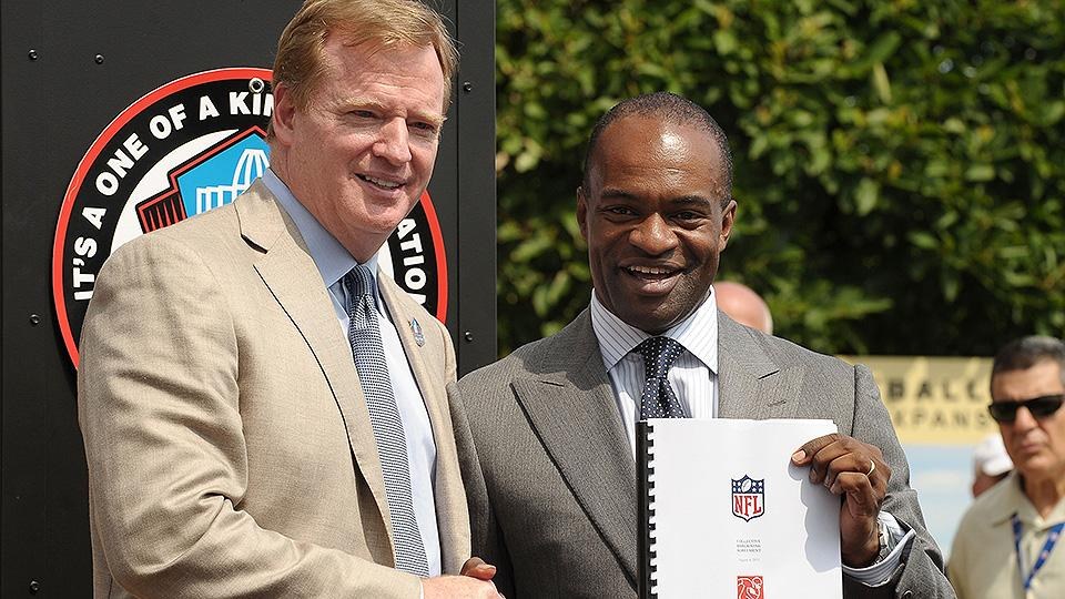 Nfl-offseason-lockout-cba-roger-goodell-training-camp