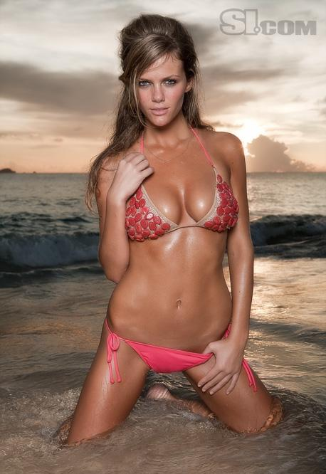 Want To Go Ziplining With Brooklyn Decker Now You Can
