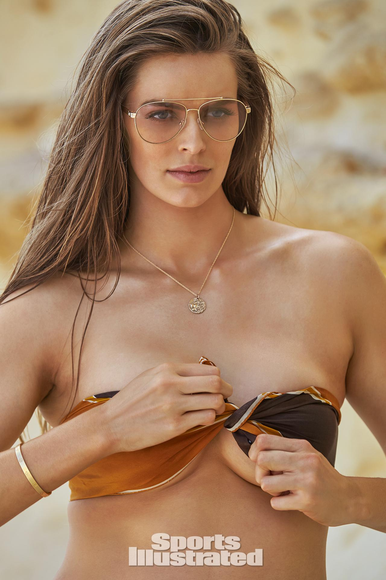 Boobs Robyn Bewersdorf nude (23 photos), Tits, Is a cute, Twitter, braless 2019