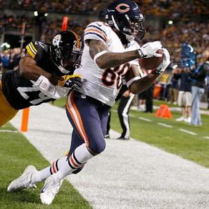 The NFL is now in its third season of reviewing every scoring play. Here are some of the more interesting ones from Week 3, beginning with a successful challenge by the Chicago Bears. This game-deciding catch by Earl Bennett was originally called incomplete, but replays showed he had control of the ball and both feet in bounds. MUST SEE VIDEO: Early NFC East Disappointments