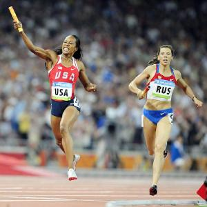 Sanya Richards anchored the U.S. to a gold medal in the 4x400-meter relay.