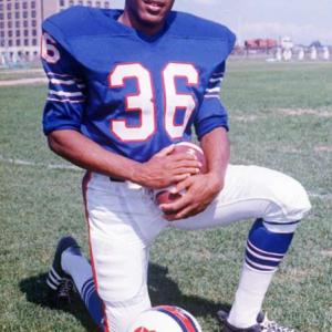 Buffalo's O.J. Simpson gains 200 yards against the Jets, breaking Jim Brown's single-season rushing record. Brown had rushed for 1,863 yards, while Simpson became the first NFL player to rush for more than 2,000 yards when he scrambled for 2,003 yards in a single season.