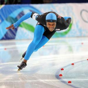 Shani Davis, the world record holder in the 1,500, won a second consecutive silver in the Olympic event, his 1:46.10 falling just shy of the 1:45.57 turned in by gold medalist Mark Tuitert of the Netherlands.