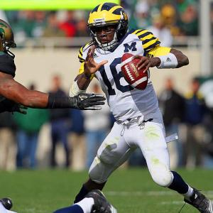 Last week:  Nine-of-24 passing for 123 yards, one TD and one INT; 18 rushes for 42 yards and one TD in 28-14 loss to No. 23 Michigan State.   Season (seven games):  76-of-141 passing for 1,253 yards, 11 TDs and 10 INTs; 120 rushes for 762 yards and nine TDs.  Stop me if you've heard this one before: Shoelace puts up monster numbers week after week, but then sees his Heisman chances dealt a major blow against the first ranked opponent he meets. Robinson, who came in averaging 341.2 yards per game of total offense, was held to 165 by the Spartans' stingy D, including a season-low 42 rushing. He also threw a costly pick late in the game which Isaiah Lewis returned 39 yards for a score, giving Robinson one more TD pass (11) than picks (10). Now the question is whether he and Michigan are in for another second-half slide?   Next up:  Saturday, Oct. 29 vs. Purdue