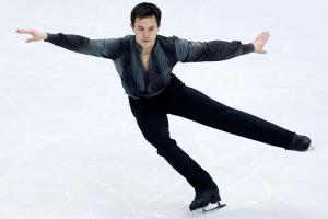 Patrick Chan shouldering heavy expectations as a medal...