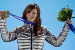 Kaitlyn Farrington wins gold her own way