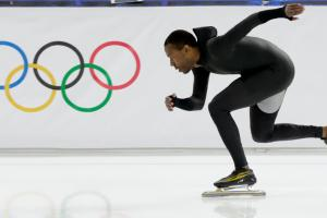 Reports: U.S. speedskaters back to old suits