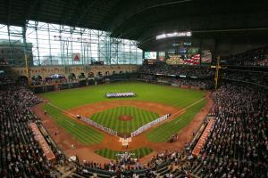Ballpark Quirks: Summiting Tal's Hill in Minute Maid Pa...