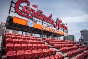 Ballpark Quirks: St. Louis' Busch Stadium asks you to g...