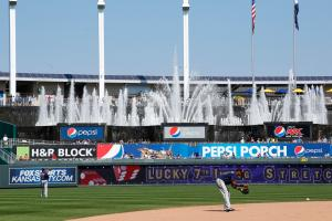Ballpark Quirks: Kauffman Stadium lets the fountains fl...