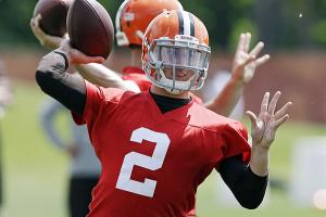 johnny-manziel-struggles-cleveland-browns-otas.jpg