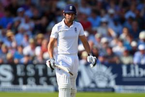 Alastair Cook continues to struggle for England
