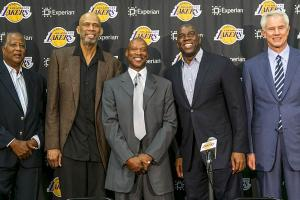 Byron Scott introduced to Los Angeles Lakers