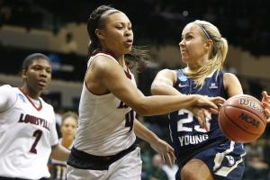 Watch: BYU player hits deck after Louisville shoulder t...