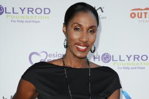 Lisa Leslie responds to her Basketball Hall of Fame ind...