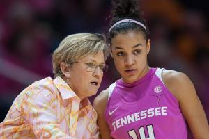 Tennessee falls out of AP Top 25 poll