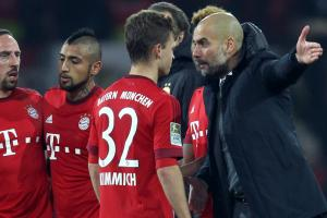 Pep Guardiola instructs Joshua Kimmich after Bayern Munich's draw with Borussia Dortmund