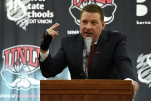 UNLV's Chris Beard to meet with Texas Tech