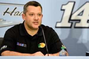 Tony Stewart to race at Richmond