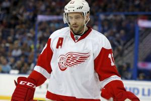 Red Wings trade Pavel Datsyuk's cap hit to Coyotes