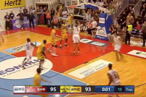 Jermaine Marshall scores on own basket, blows game