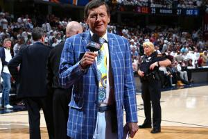Where does Craig Sager get his suits?